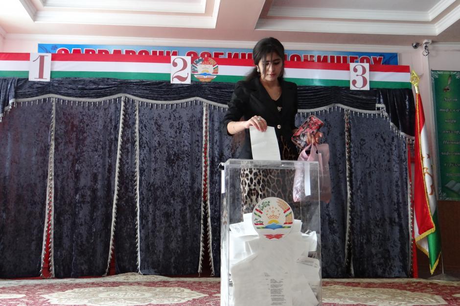 Voting in Tajikistan